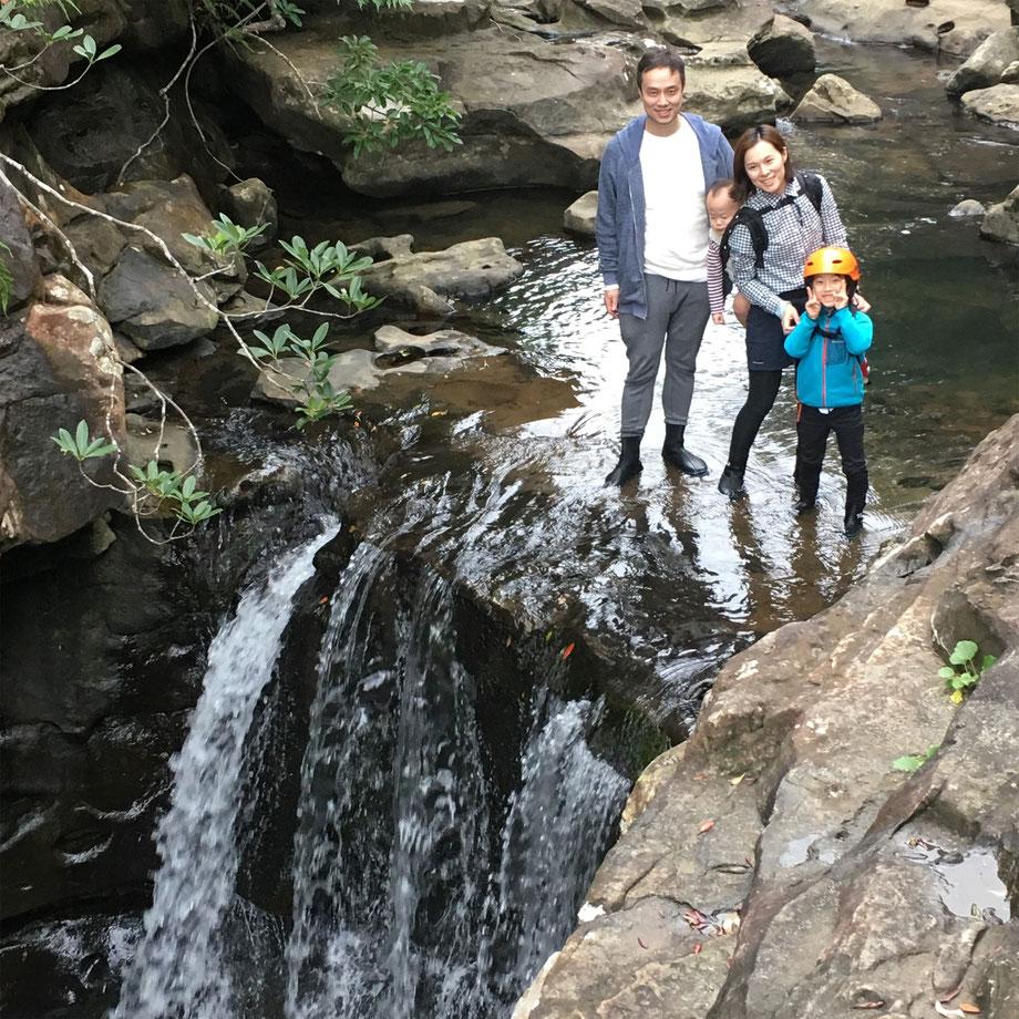 西表島・ガイドにおまかせツアー【マングローブカヌー(干潟観察)&滝遊びforファミリー】