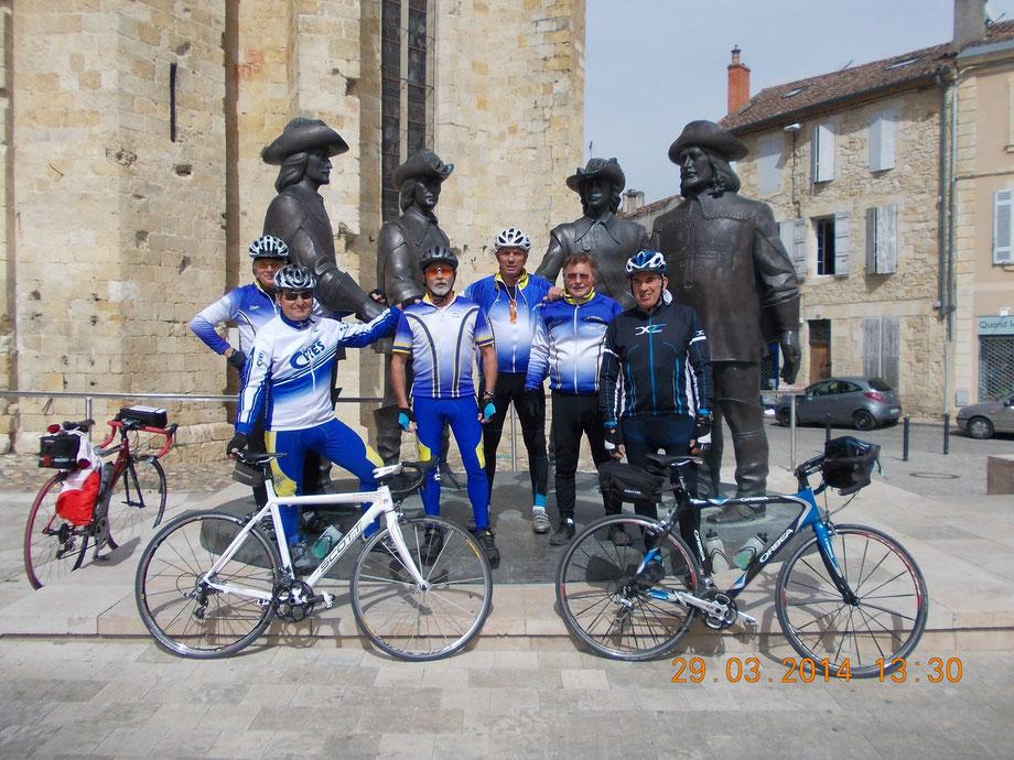 de gauche à droite : Bernard, Hubert, Francis,Jean-marc, Biloute, Marceau