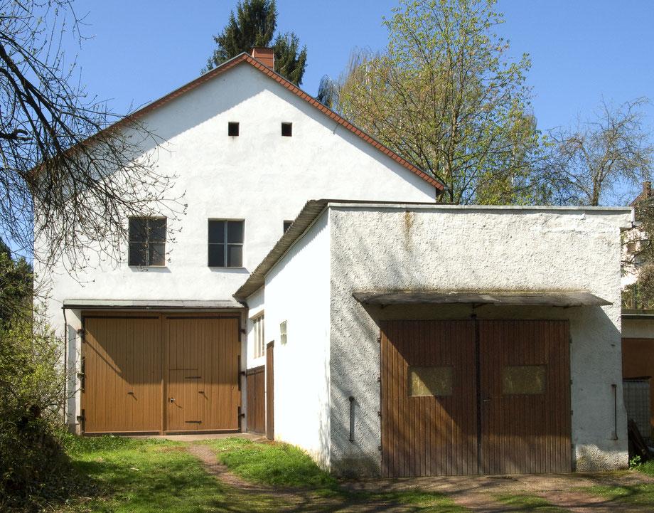 Das Firmengebäude auf der Rückseite der Zweibrücker Straße 64 in Neunkirchen.