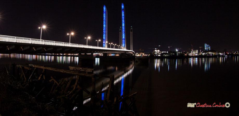 Extérieur nuit. Pont Jacques Chaban-Delmas et la Cité de la culture et des civilisations du vin, Bordeaux. Mercredi 27 février 2019.