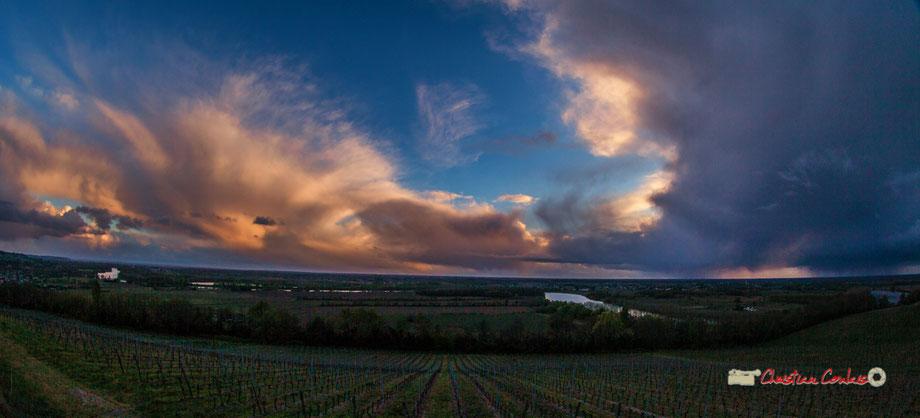 Coucher de soleil et phénomène nuageux en suspens au Haut-Langoiran. Christian Coulais, photographe. Spot photographique, mercredi 3 avril 2019
