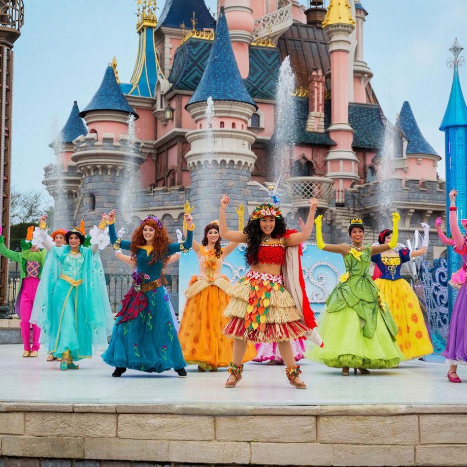 Großer Auftritt der Piraten und Prinzessinnen in Disneyland Paris