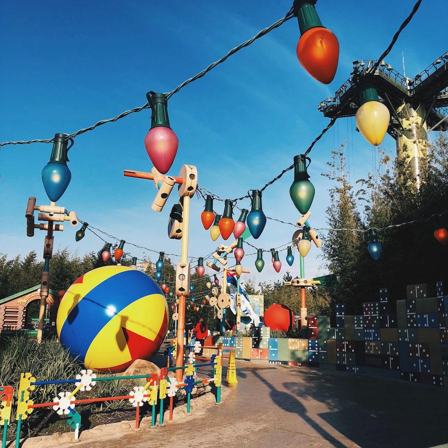 Frühzeitig im Freizeitpark vor Ort sein!
