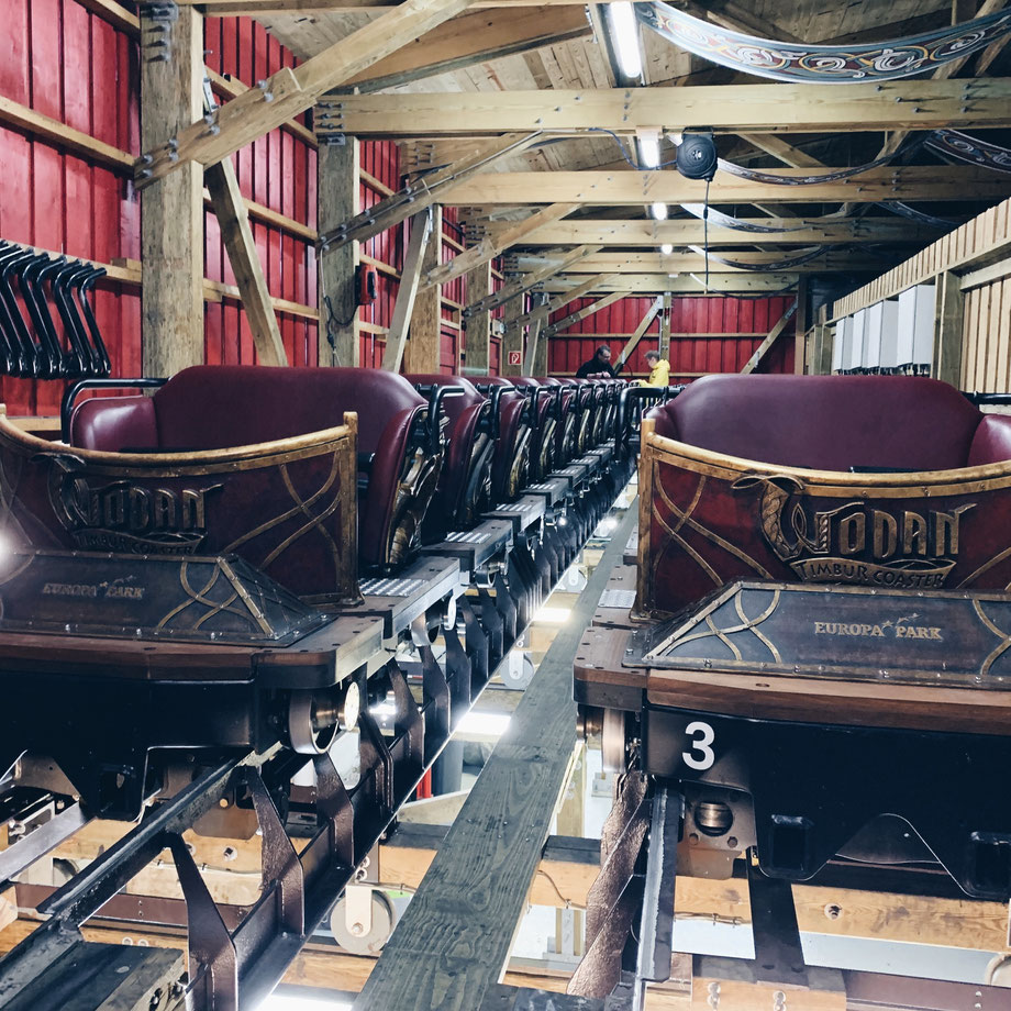 """In der Werkstatt vom """"WODAN – Timburcoaster"""" im Europa-Park"""