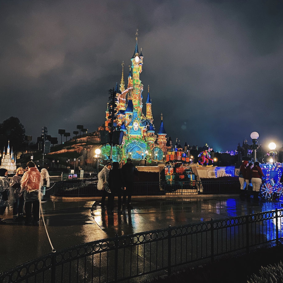 Disneyland Paris Celebrations : A Voyage Back In Time - Annual Pass Event