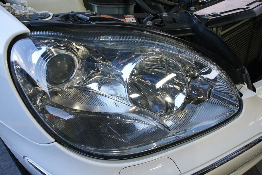 ベンツのヘッドライト磨き 埼玉の車磨き専門店
