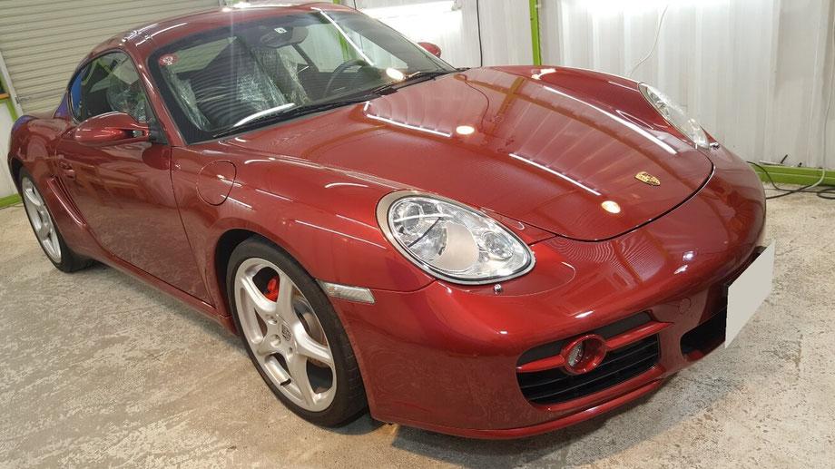 ケイマンSのセラミックコーティング完成後のボディの艶 埼玉の車磨き専門店アートディテール 濃色車の傷改善・除去