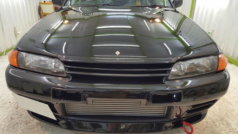 BNR32黒 磨き後のブラックパールメタリックの光沢 塗装の輝き