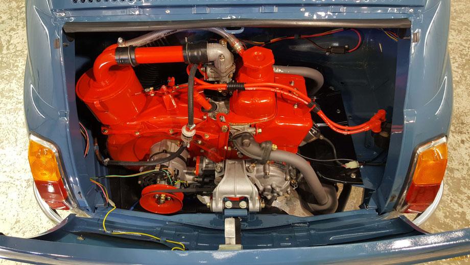 フィアット・nuova500のエンジンルームのコーティング