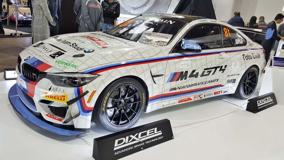 BMW・M4・GT4 東京オートサロン2019のディクセルブースにて展示