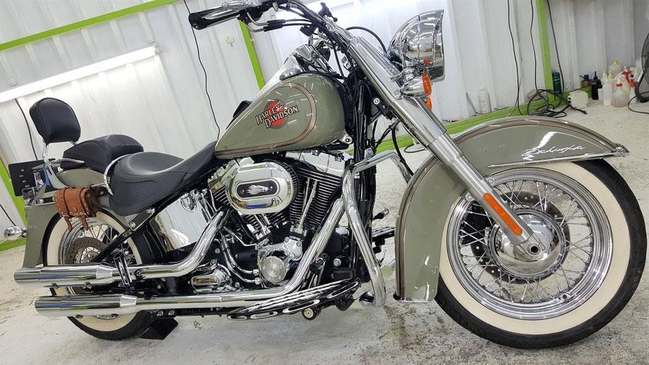ハーレー・ソフテイル・デラックス 2013年モデル 100周年記念 バイク磨き 埼玉 アートディテール
