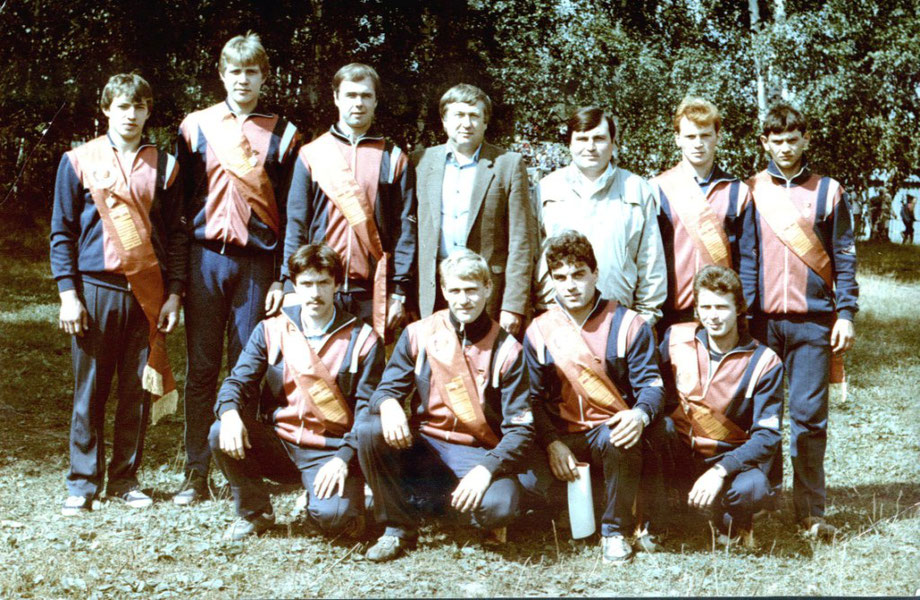 На снимке: «Восход» - чемпион РСФСР 1987 года