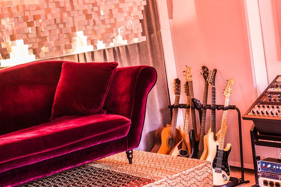 patrik schwitter_recording mixing mastering_2019 sofa controlroom @ kroenleinstrasse zurich
