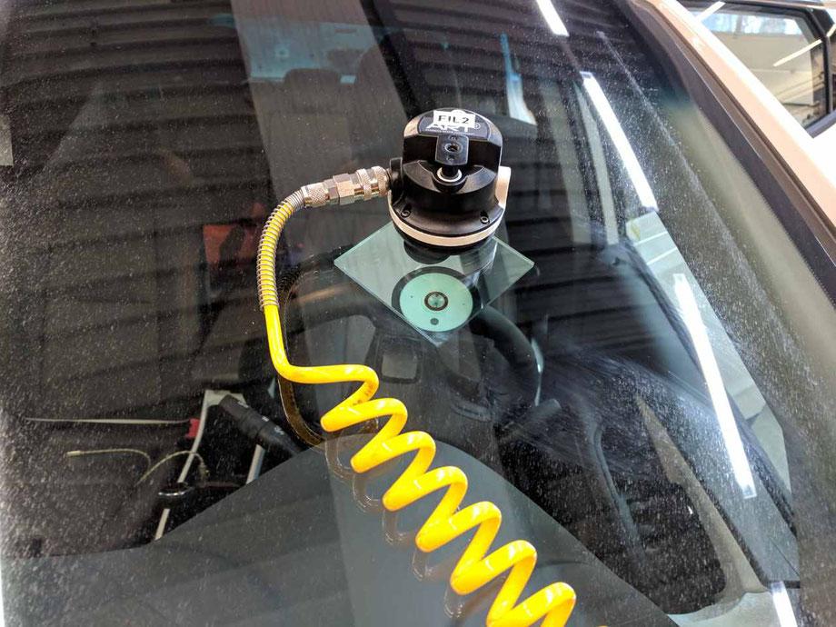 Steinschlag Reparatur Elektroauto Vakuum Pumpe, Erfahrungsbericht