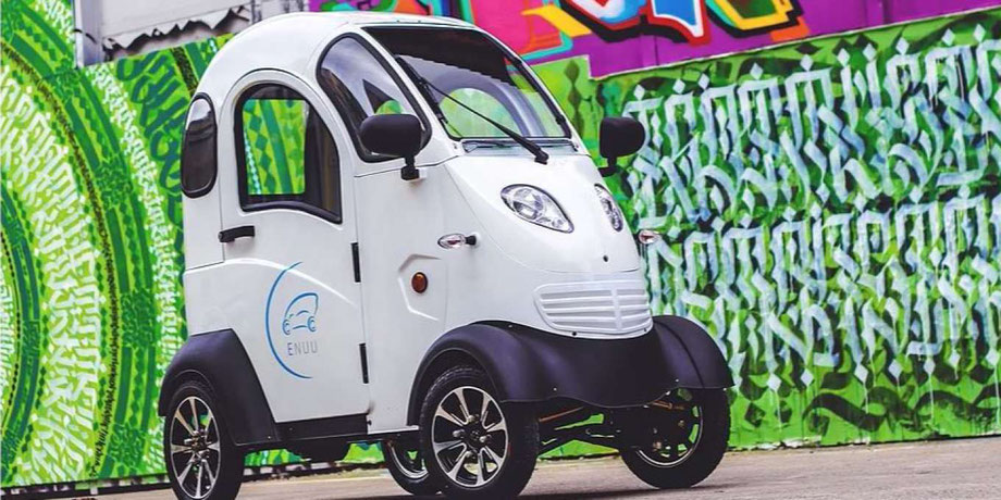 Mini Elektroauto enuu so schmal wie ein Fahrrad