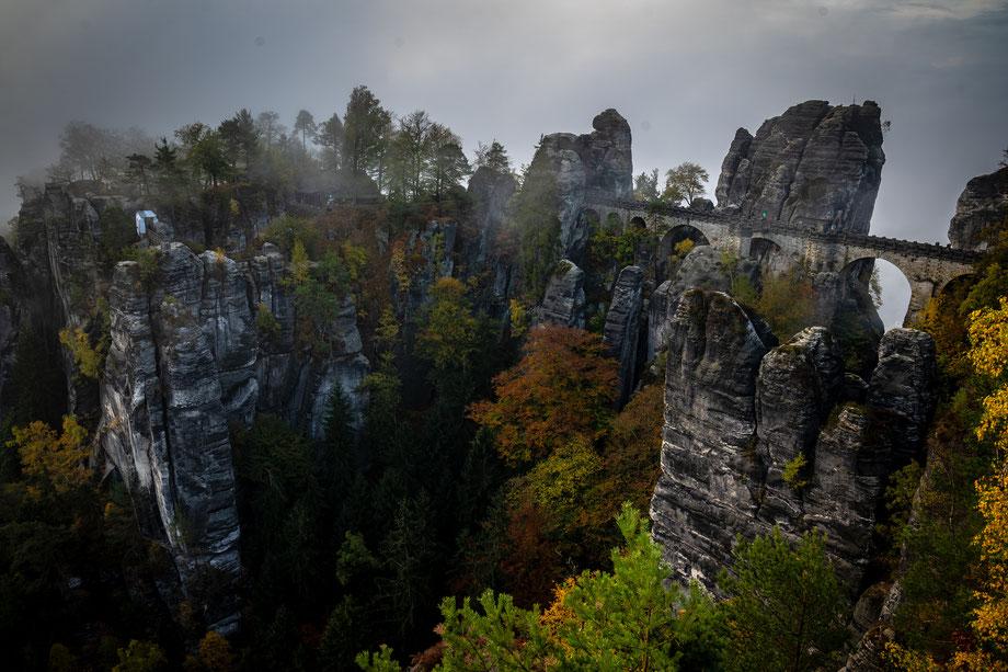 Basteibrücke im Herbs fotografiert
