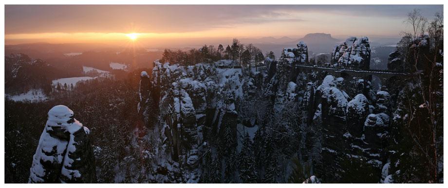 Da ist er - der Wintersonnenaufgang in voller Breitseite
