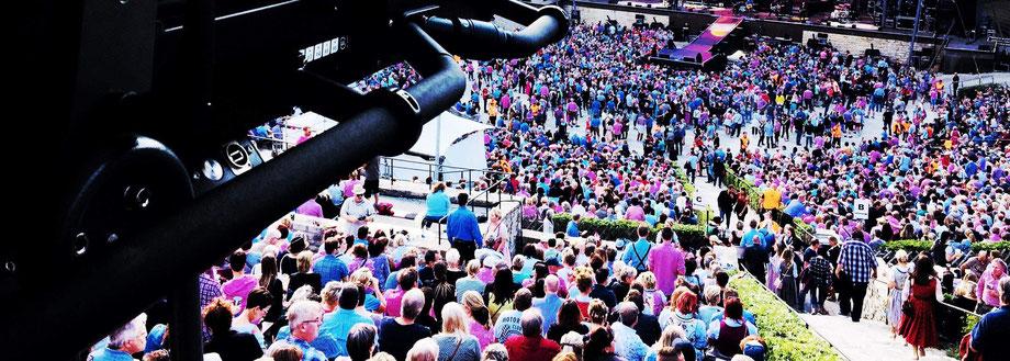 Ticket kaufen Schnelltest machen Event besuchen Besuch von Veranstaltungen Abstimmung mit Veranstaltern Abstimmung mit Ticketdienstleistern Events Konzerte Oper Festival Fußballspiel Arena Musik Messe Ausstellung Kunst