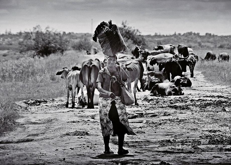 Begegnung auf dem Land Mosambik