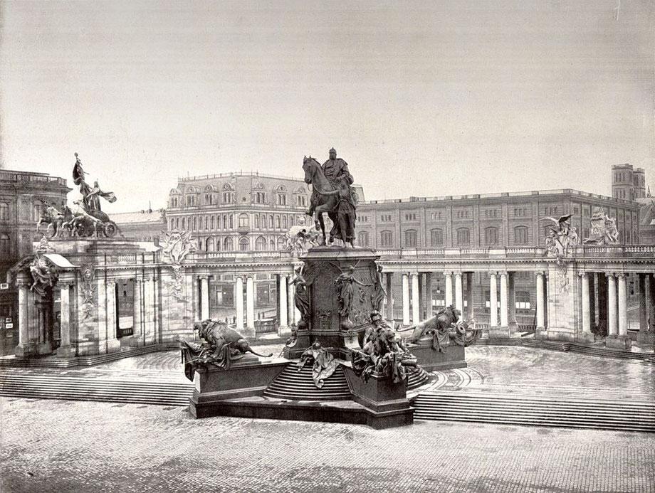 Quelle: wikimedia Commons (Bild verlinkt) Ursprüngliche Quelle: Album von Berlin. Globus Verlag, Berlin 1904.