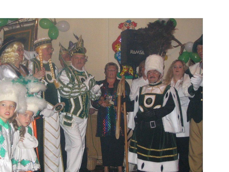 Nov. 2004 - Inthronisation des ersten Birgeler Dreigestirns im Saale Röske