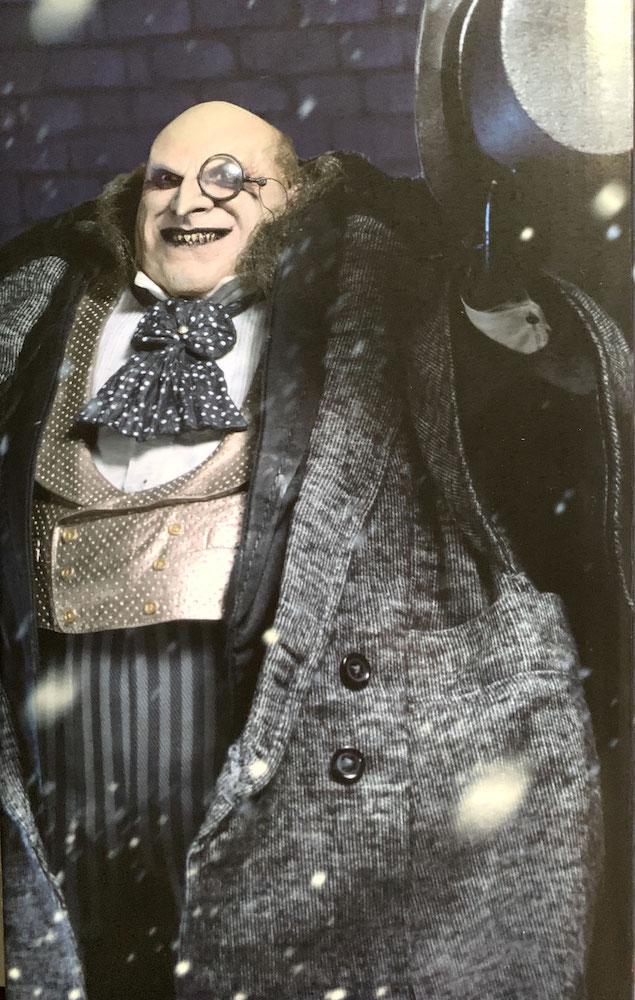Mayoral Penguin (Danny DeVito) 1/4 DC Batmans Rückkehr Actionfigur 38cm Neca