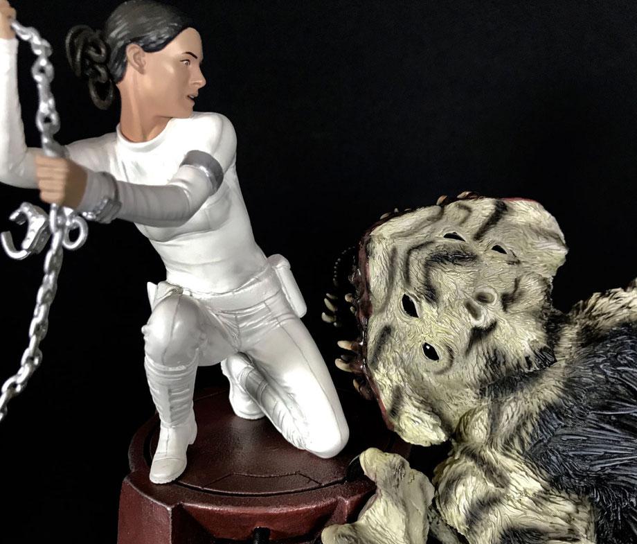 Padme Amidala vs. Nexu Geonosis Arena Diorama 48cm Star Wars Episode 2 Statue Sideshow