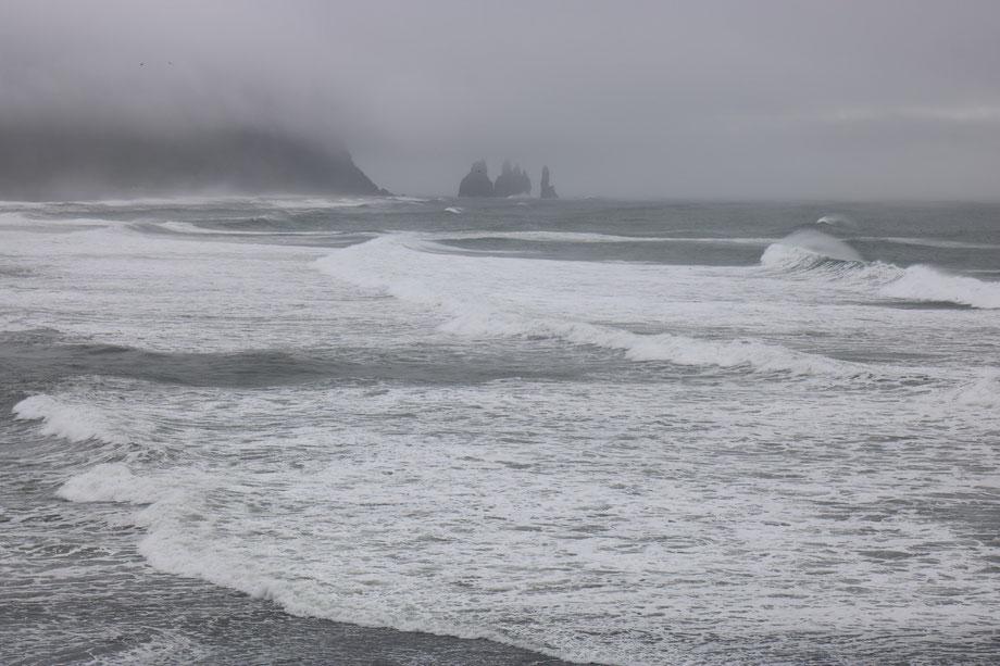 Plage de Reynisfjara près de Vik i Myrdal en Islande