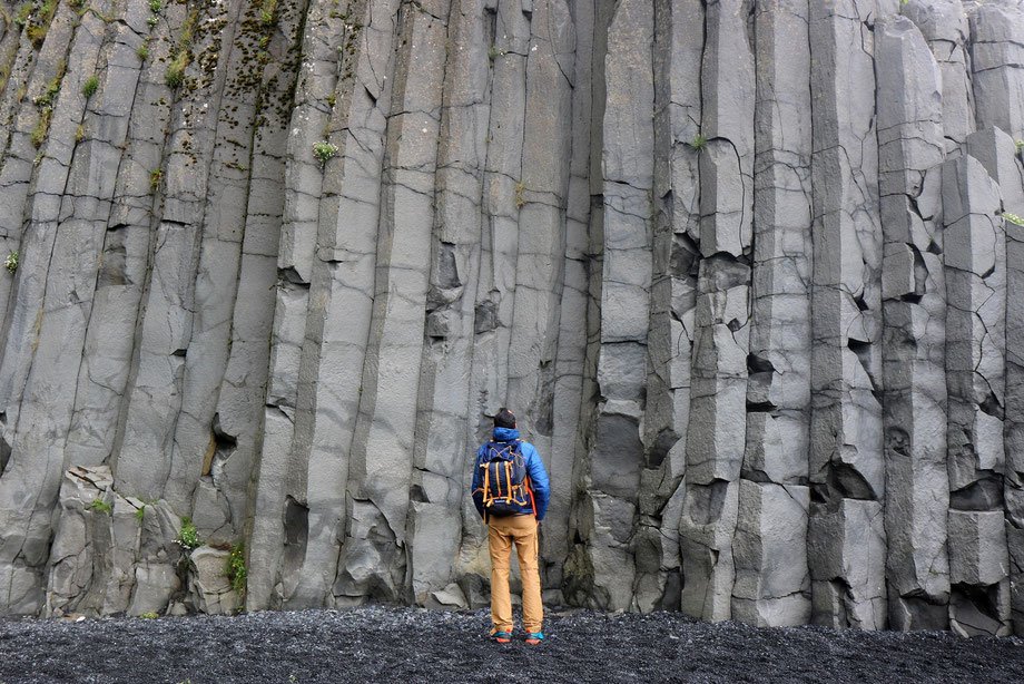 Orgues basaltiques sur la plage de Reynisfjara près de Vik i Myrdal en Islande