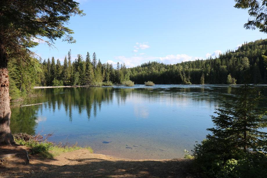 Clearwater Lake dans le Wells Gray Provincial Park (Colombie-Britannique - Canada)