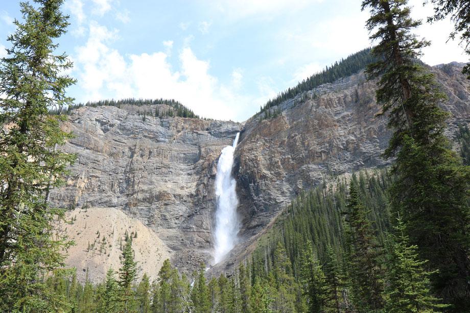 Takakkaw Falls dans le Yoho National Park (Colombie-Britannique - Canada)