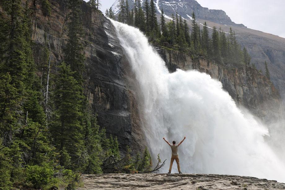 Emperor Falls sur le Berg Lake Trail dans le Mount Robson Provincial Park (Colombie-Britannique - Canada)