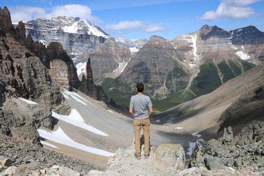 Vue sur Paradise Valley depuis Sentinell Pass dans le Banff National Park (Alberta - Canada)