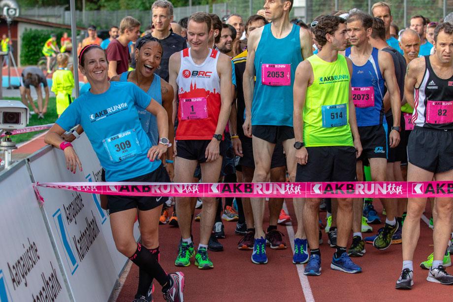 Vor dem Start, Spass muss sein! Mit Hansjörg Brücker, Tobias Heutschi, Roger Riegendinger und zwei schnellen Mädels.