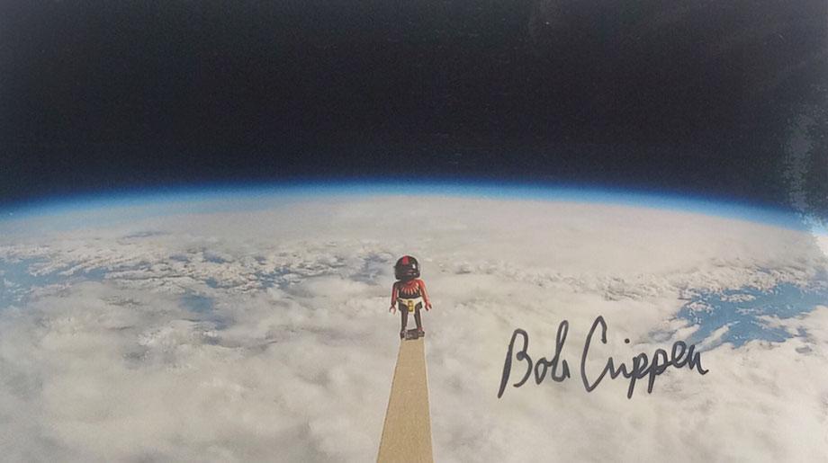 21.11.2017 3 Autographs of Bob Crippen Astronaut