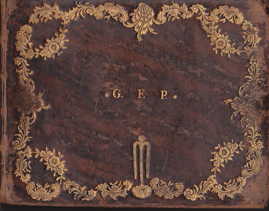 Vorderseite des Stammbuches G. F. Pirscher  (Breite 21 cm, Höhe 16, cm)