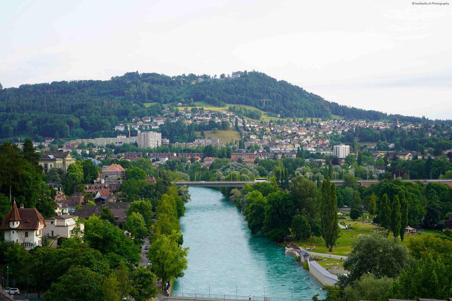 """Eine kleine Auszeit mit Aussicht: die schöne Aussicht von der BELLEVUE TERRASSE - unser Hausberg in der Stadt Bern: Gurten (umgangssprachlich """"Güsche""""), ein beliebtes Ausflugsziel"""