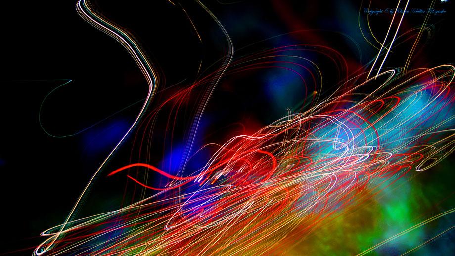 Clasen/Stiller Fotografie, Udo Clasen, Patrick Stiller, Nachtaufnahme, Abstrakte Fotos, Langzeitbelichtung, Sonnenaufgang, Abstrakte Fotografie, abstrakte lichter, HDR, Düsseldorf, Duisburg, abstraktes, Kunst, Fotokunst, farbenspiel,