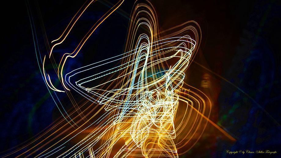 Clasen/Stiller Fotografie, Udo Clasen, Patrick Stiller, Nachtaufnahme, Abstrakte Fotos, Langzeitbelichtung, Sonnenaufgang, rot, grün, blau, orange, gold, gelb, Pflanzen, Baum, Bäume, HDR, Düsseldorf, Duisburg, Natur, Tiere, Wolken, Wassertropfen, Vögel,