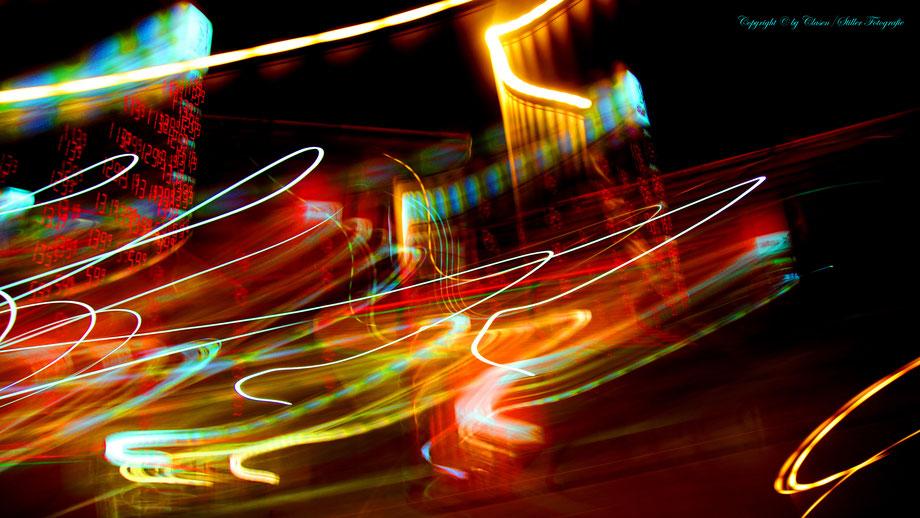 Clasen/Stiller Fotografie, Udo Clasen, Patrick Stiller, Nachtaufnahme, Abstrakte Fotos, Langzeitbelichtung, Sonnenaufgang, Abstrakte Fotografie, abstrakte lichter, HDR, Düsseldorf, Duisburg, abstraktes, Kunst, Fotokunst, Tromsö, TOP 100,
