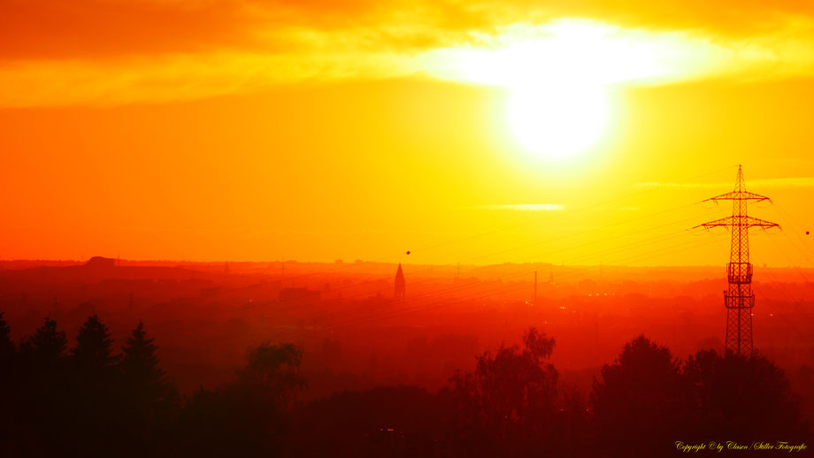Sonnenuntergang, Wald, Wiesen, Felder, Sonnenstrahlen, Wolken,