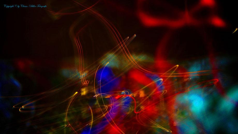 Clasen/Stiller Fotografie, Udo Clasen, Patrick Stiller, Nachtaufnahme, Abstrakte Fotos, Langzeitbelichtung, Sonnenaufgang, rot, grün, blau, orange, gold, gelb, abstrakte lichter, Düsseldorf, Duisburg, abstraktes, Kunst, Fotokunst, farbenspiel, Fotokunst,