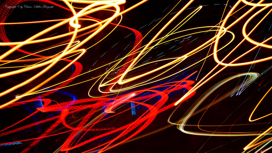 Clasen/Stiller Fotografie, Udo Clasen, Patrick Stiller, Nachtaufnahme, Abstrakte Fotos, Langzeitbelichtung, Sonnenaufgang, Abstrakte Fotografie, abstrakte lichter, HDR, Düsseldorf, Duisburg, abstraktes, Kunst, Fotokunst, farbenspiel, TOP 100,