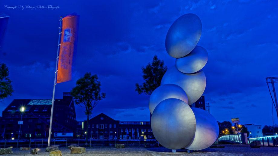 Duisburg Innenhafen, Essener Motorshow, Tuning, Clasen/Stiller Fotografie, Udo Clasen, Patrick Stiller, Nachtaufnahme, Langzeitbelichtung, Sonnenaufgang, Sonnenuntergang, grün, blau, orange, gold, gelb, Pflanzen, Baum, Bäume, HDR, Düsseldorf, Duisburg,