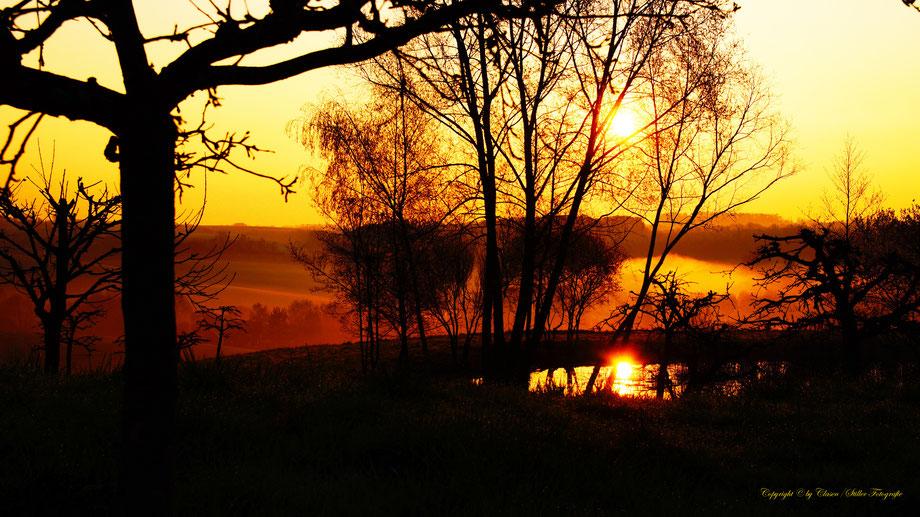 Sonnenaufgang am kleinem See