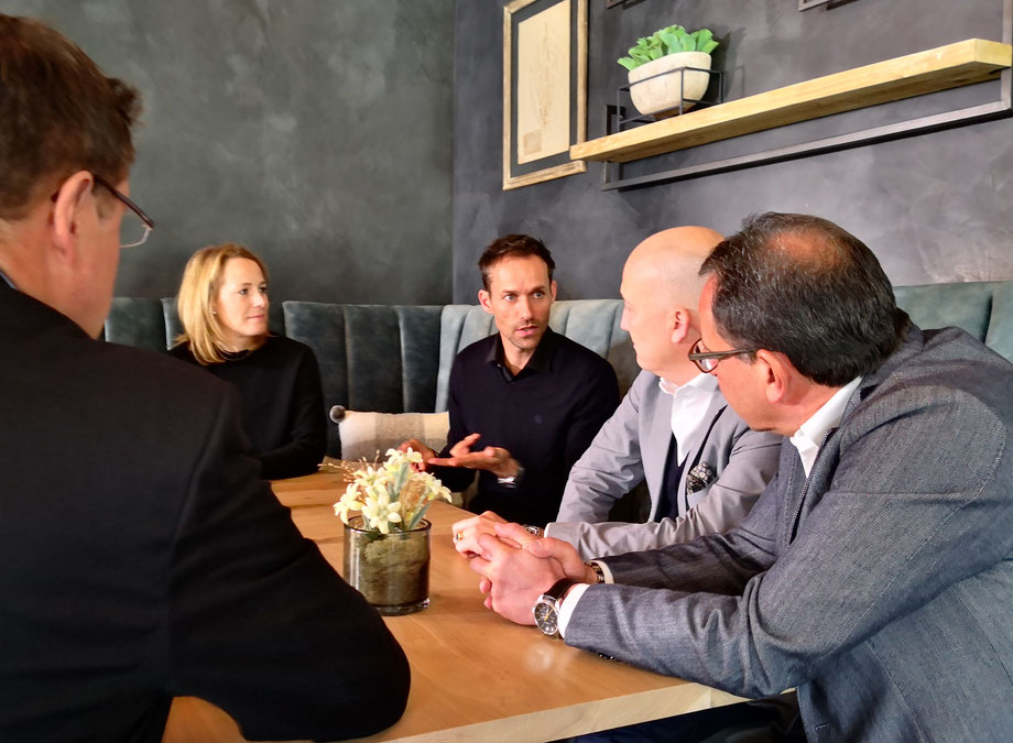 Sven Hannawald im Gespräch mit Geschäftsführern