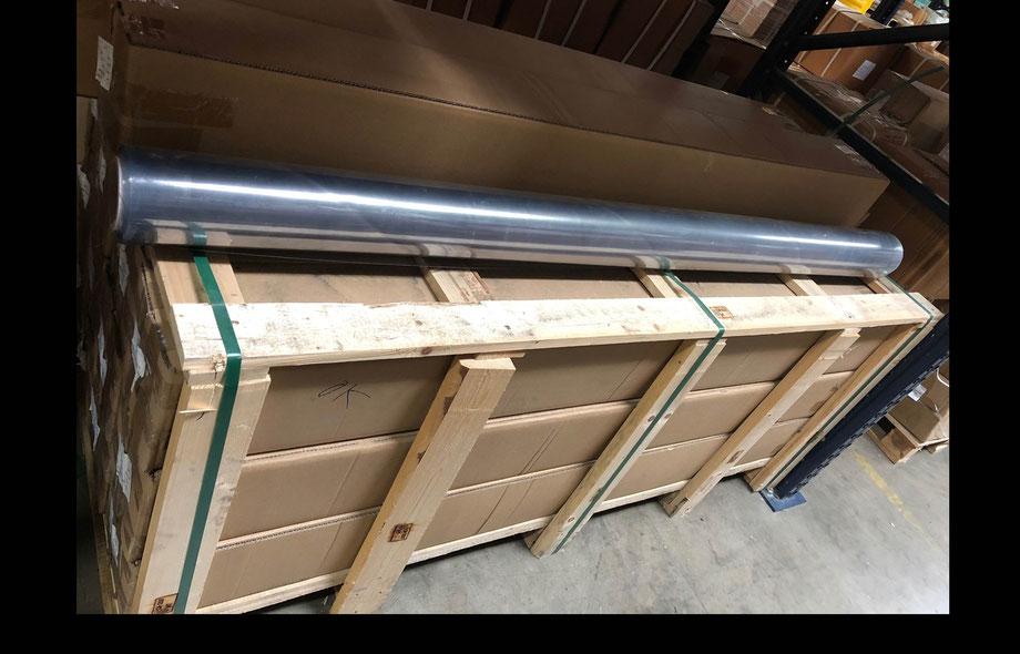 PRECIO $12,400 + IVA. Rollo de vinil transparente de 1.50 metros (mts.) de ancho x 22.86 metros (mts.) de largo. 16 milímetros de  espesor.
