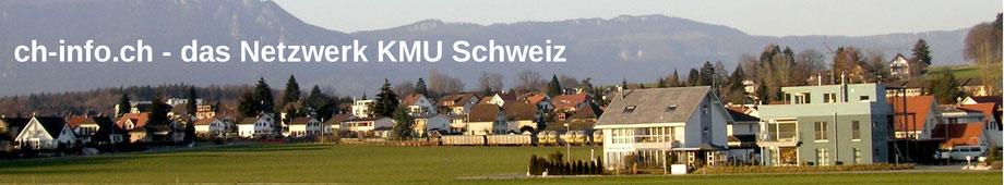 Bild von Häusern in einer Gemeinde mit sonnigem Blick auf den Jura und die Alpen