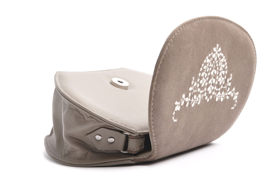 Dirndltasche ANNA taupe mit  Stickerei OSTWALD Traditional Craft