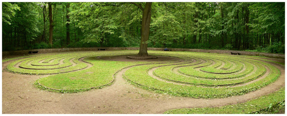 Photo by Alex Hindemith - Das Rad (the Wheel) - Labyrinth in the city forest Eilenriede, Hanover, Germany